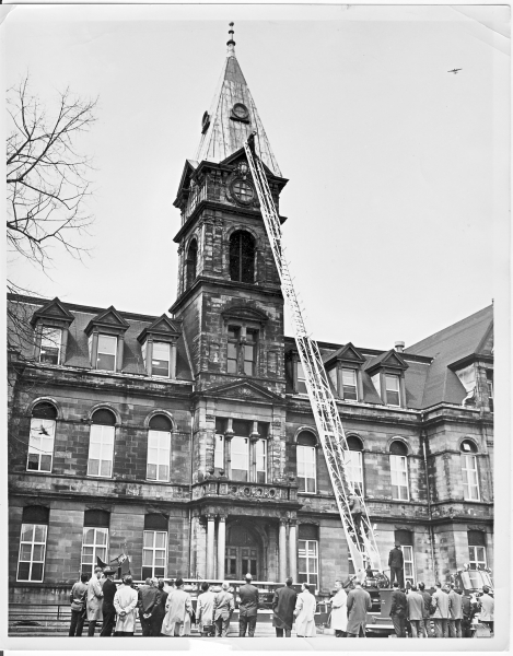 1966 King Seagrave 100 tilller aerial at city hall