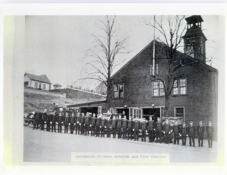 Dartmouth members in front of stn